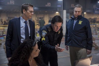 Kevin Bacon, Mark Wahlberg and John Goodman in Patriots Day (2)