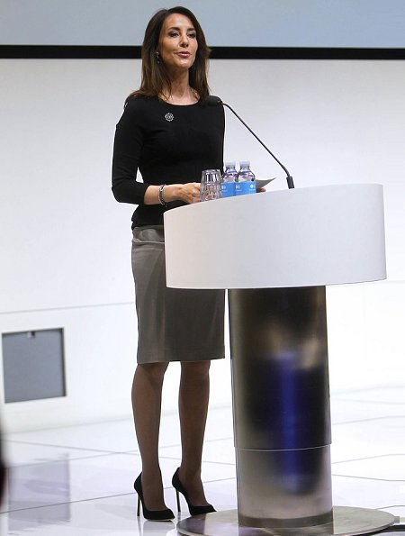 Princess Marie wore a new wool-blend knee-length coat by Paul & Joe