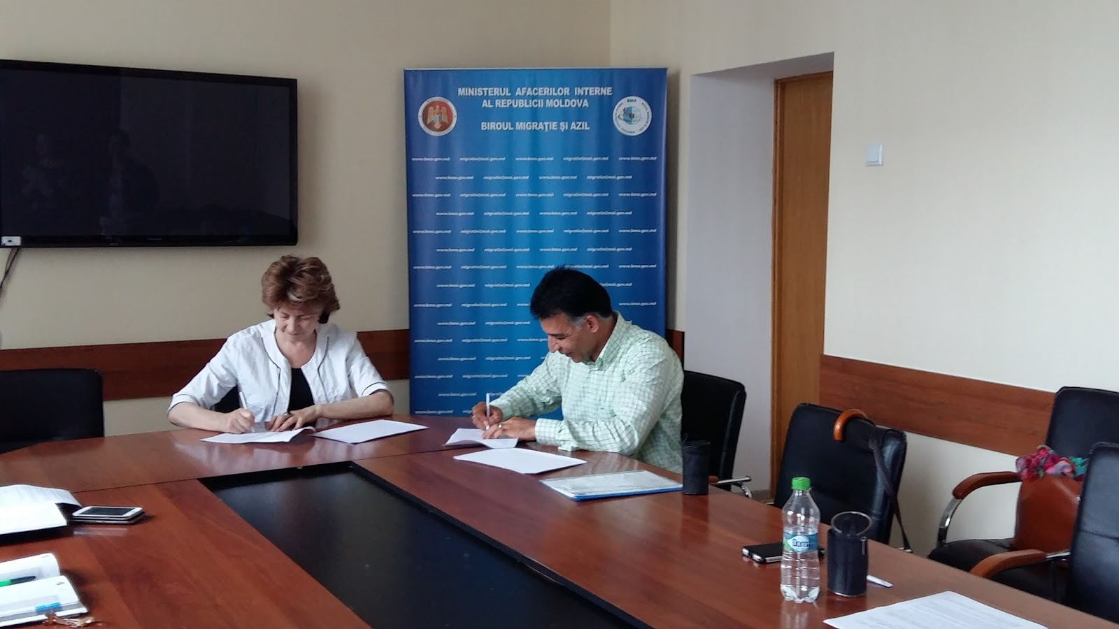 Ngo charity centre for refugees 2016 collaboration agreement with the bureau of migration and asylum enhancing integration of refugees through partnership programme stopboris Image collections