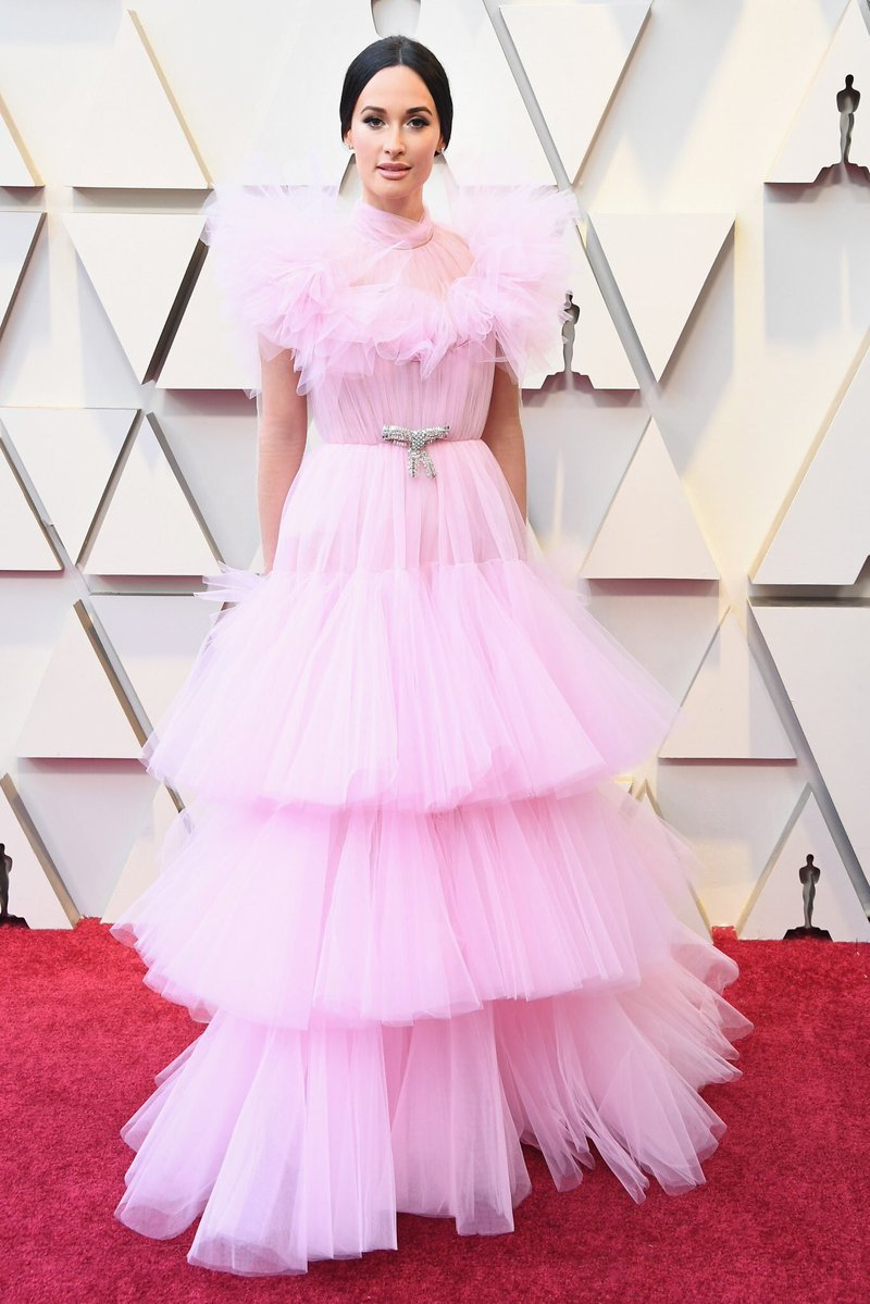 Kacey Musgraves Dressed Like a Princess in a Pink Giambattista Valli Tulle Gown at the 2019 Oscars
