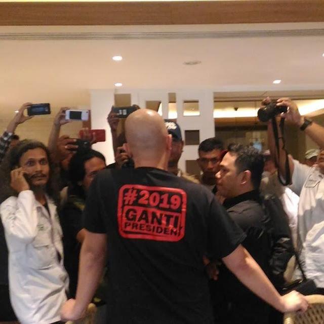 Ahmad Dhani Curiga Kongkalikong Aparat Hadang #2019GantiPresiden