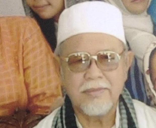 Ayah Mertua Eka Santosa, H Endang Gani Wafat