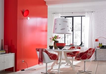 decoración comedor blanco rojo