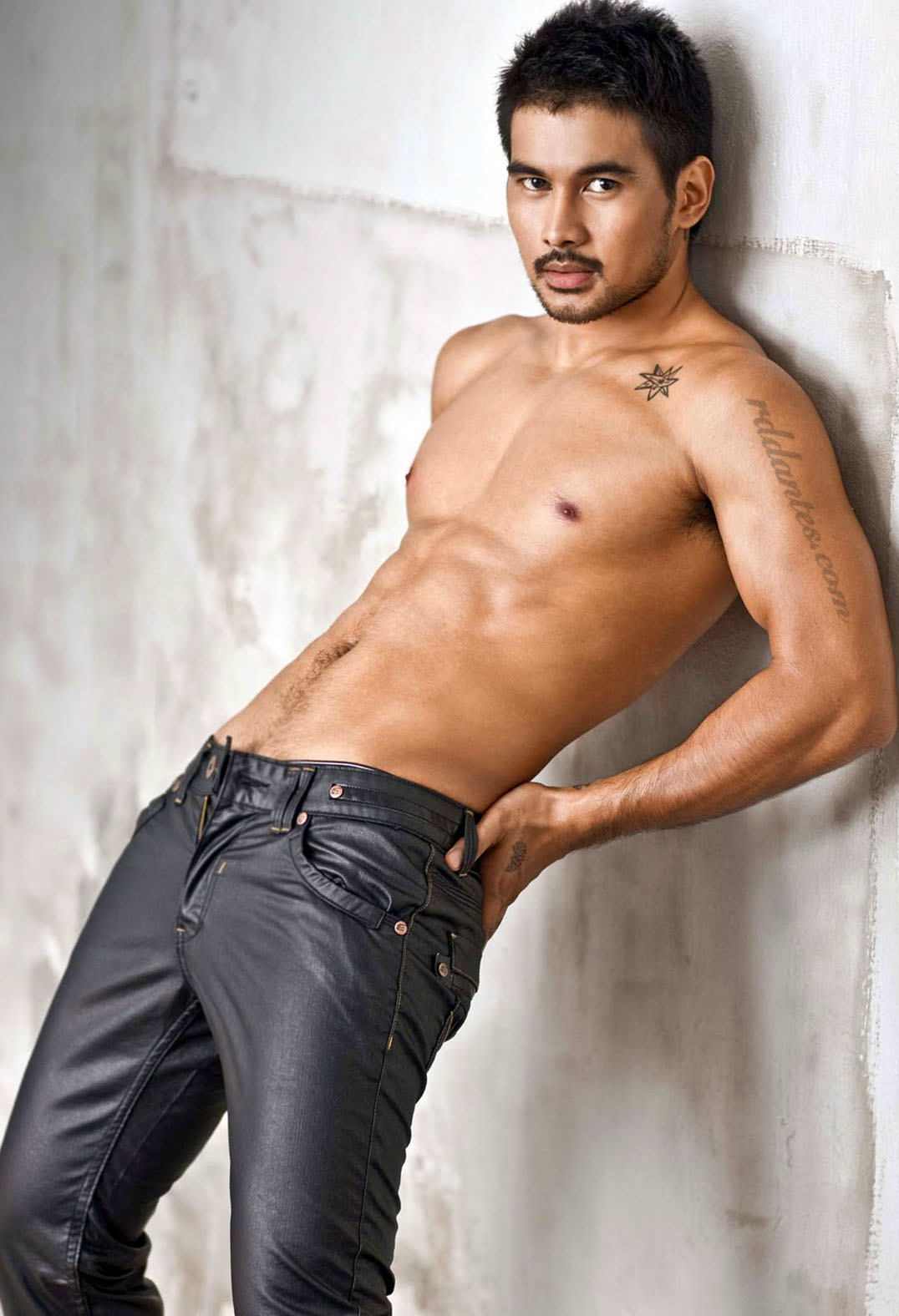 Joem Bascon - Gorgeous Pinoy Actor  Hot Asian Guys - Male -5060