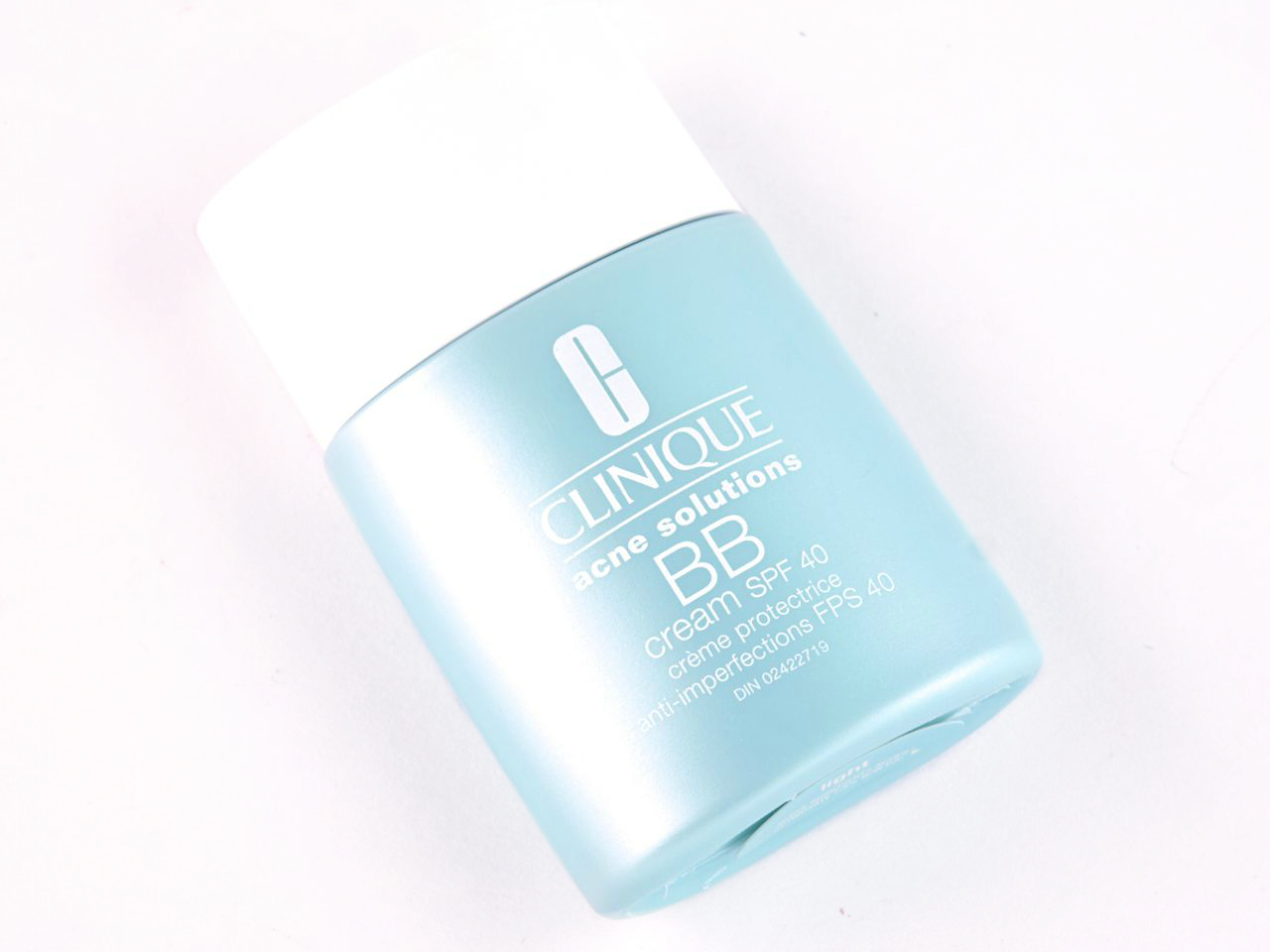 """Clinique Acne Solutions BB Cream SPF 40 in """"Light"""": Review and Swatches"""