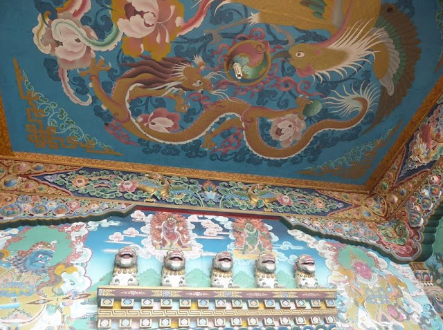decori nel monastero Guru Lhakhang