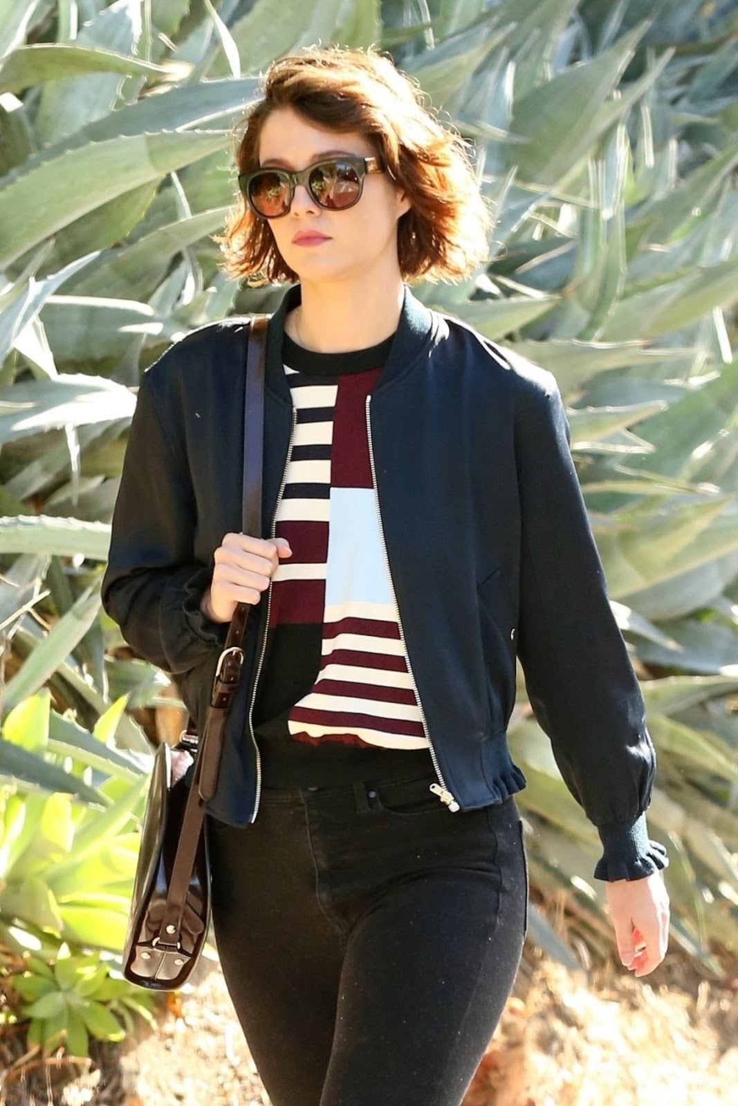 Photos of Sexy Mary Elizabeth Winstead looking hot with black sunglasses Out in Los Angeles