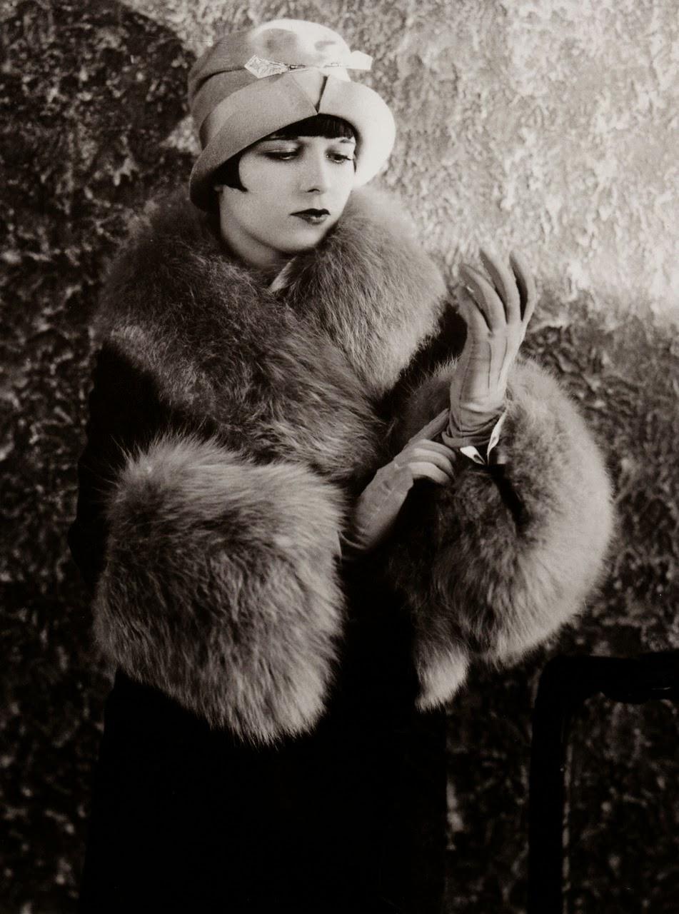 1920s Fashion Service Magazine June 1928 Bathing Suit: 15 Vintage Photos Show Beautiful Fashion Of The 1920s