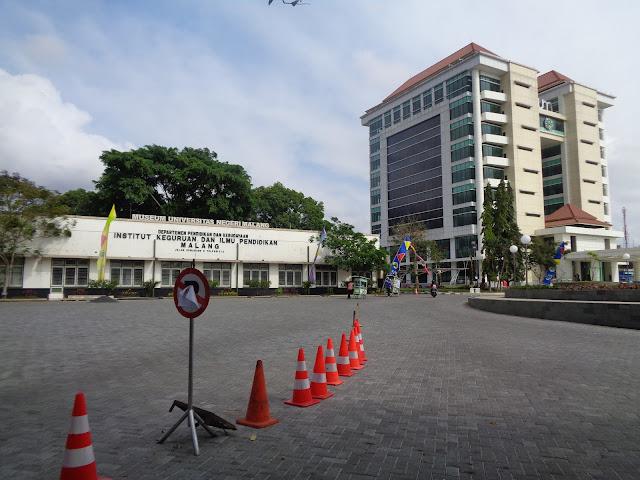 Alamat Gedung Rektorat UM