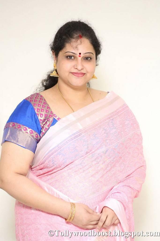 Telugu Actress Raasi Stills In Pink Saree At Movie Interview
