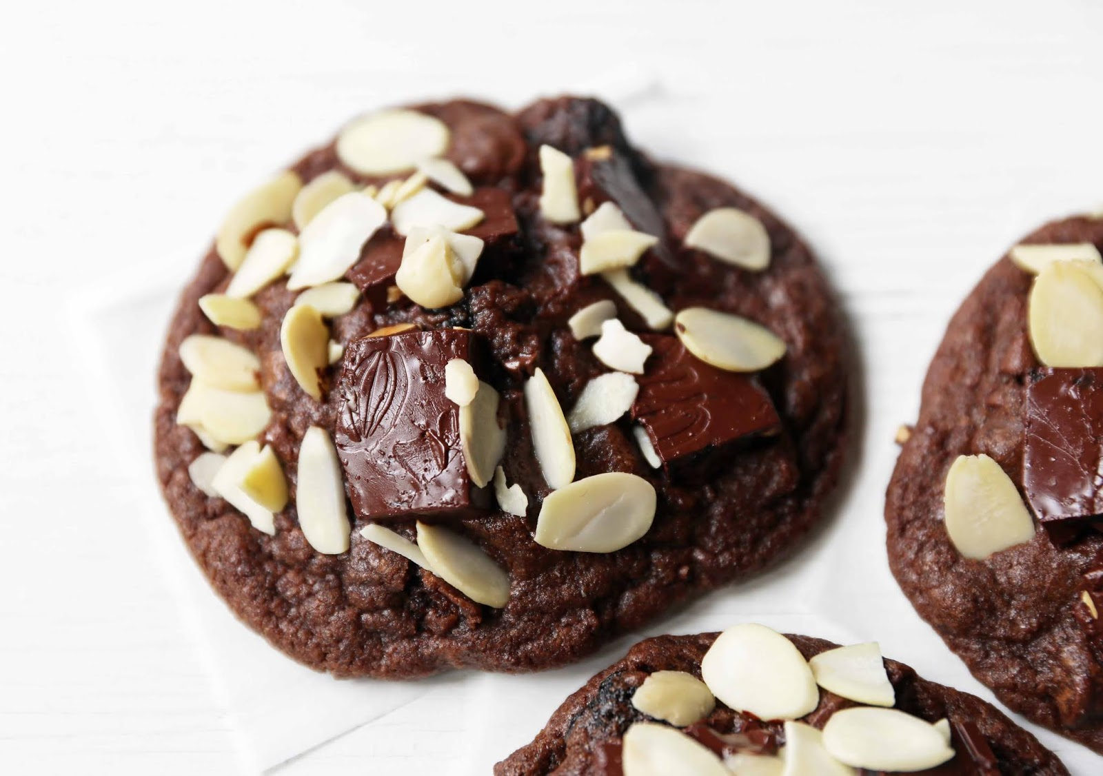 CHOCOLATE CHERRY ALMOND COOKIES RECIPES