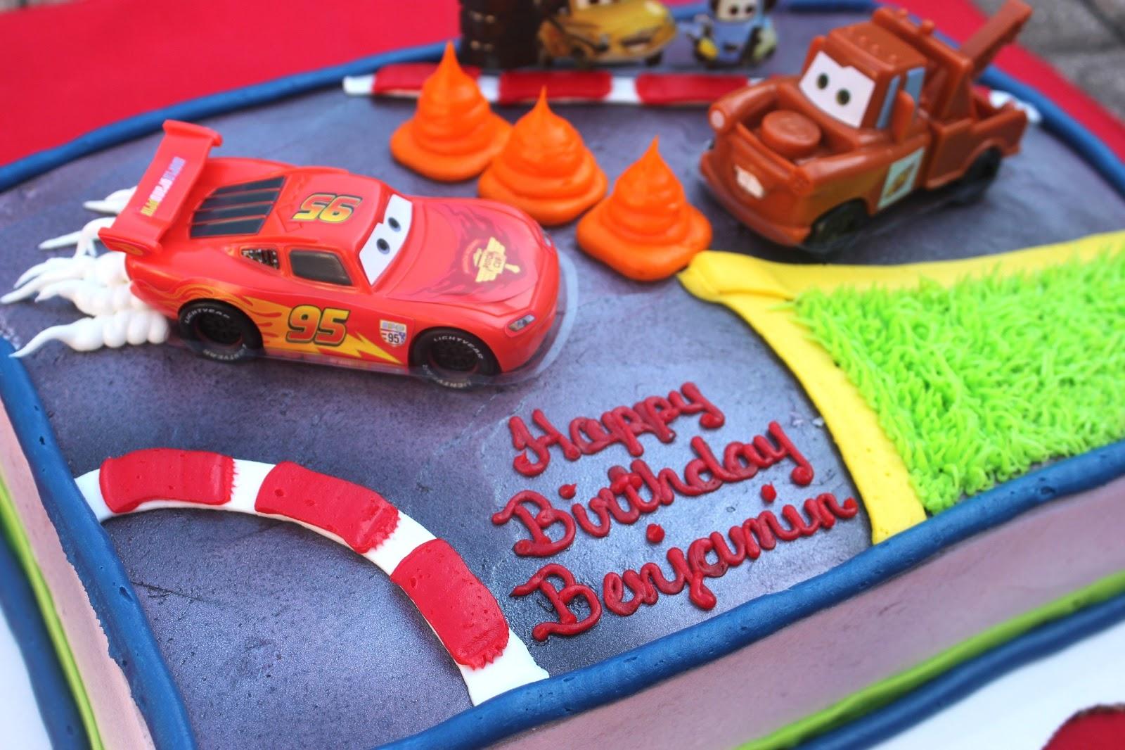 Disney Cars Birthday Cake: Lines Across Reviews: A Cars Dream Party Celebration