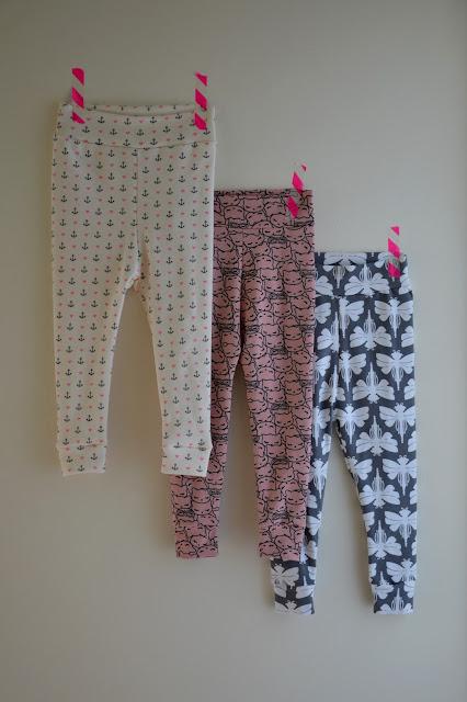 babylegging, meisjesbroek, tricotstof, Emma en Mona, gratis patroon