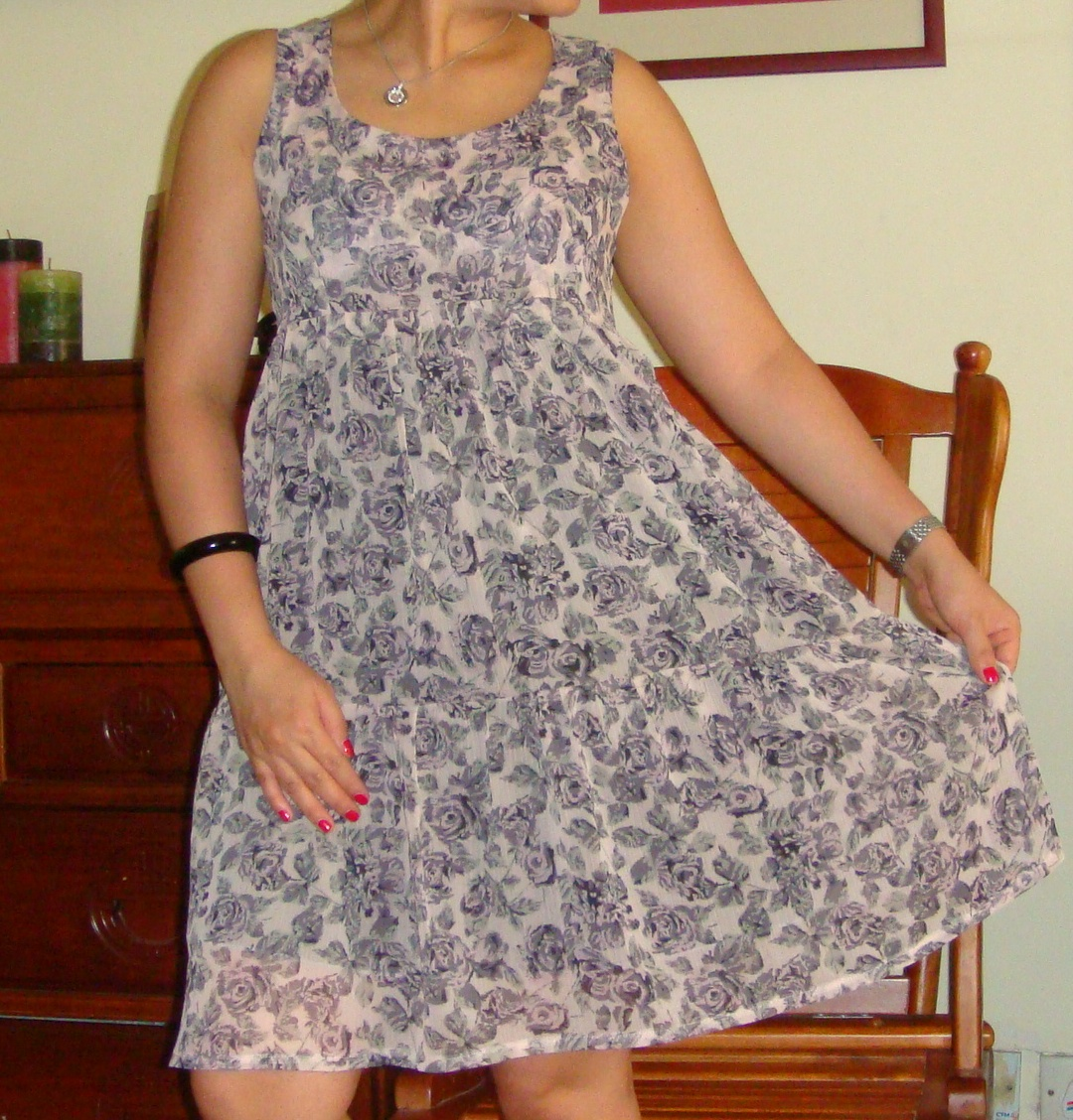 http://velvetribbonsew.blogspot.com/2011/11/cinnamon-dress.html