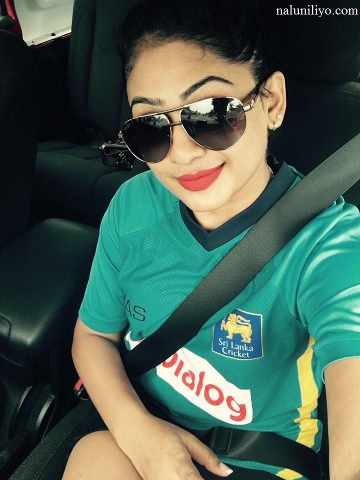 Piumi Hansamali hot sexy photos