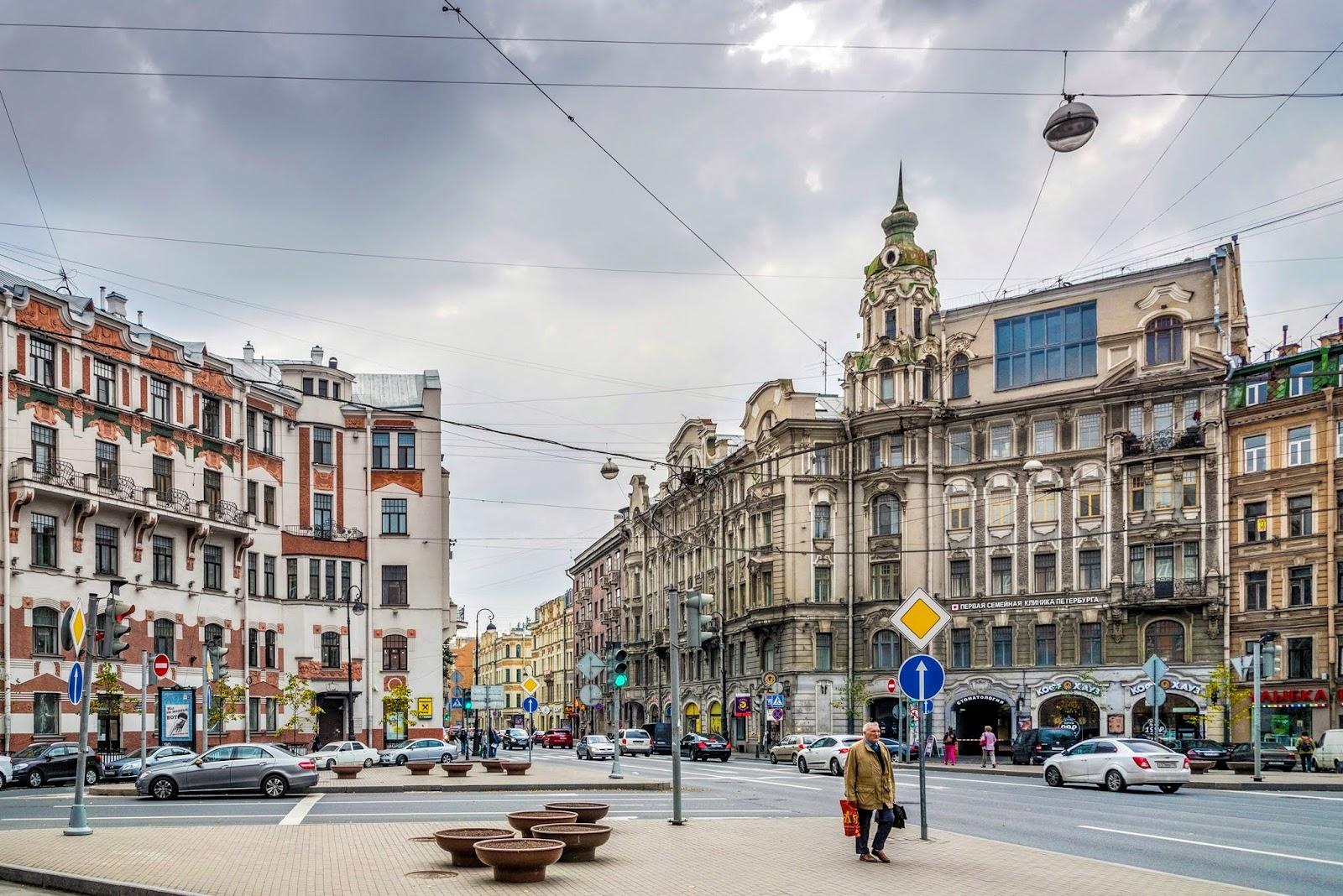 Австрийская площадь в Питере