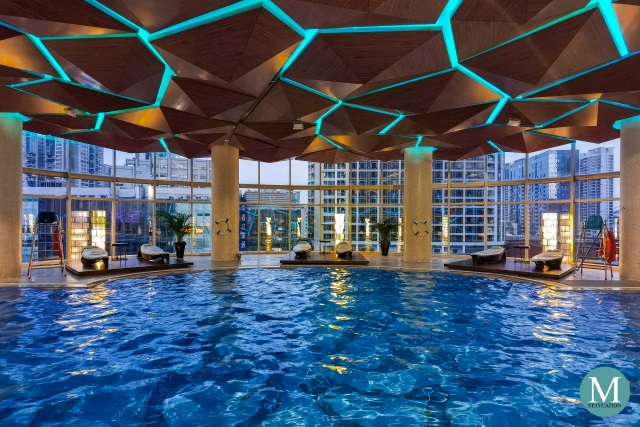 swimming pool of Sofitel Guangzhou Sunrich