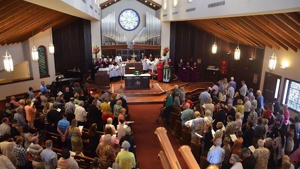 Contoh Kata-Kata Penyembahan Dan Tata Cara Memimpin Ibadah dalam Agama Kristen