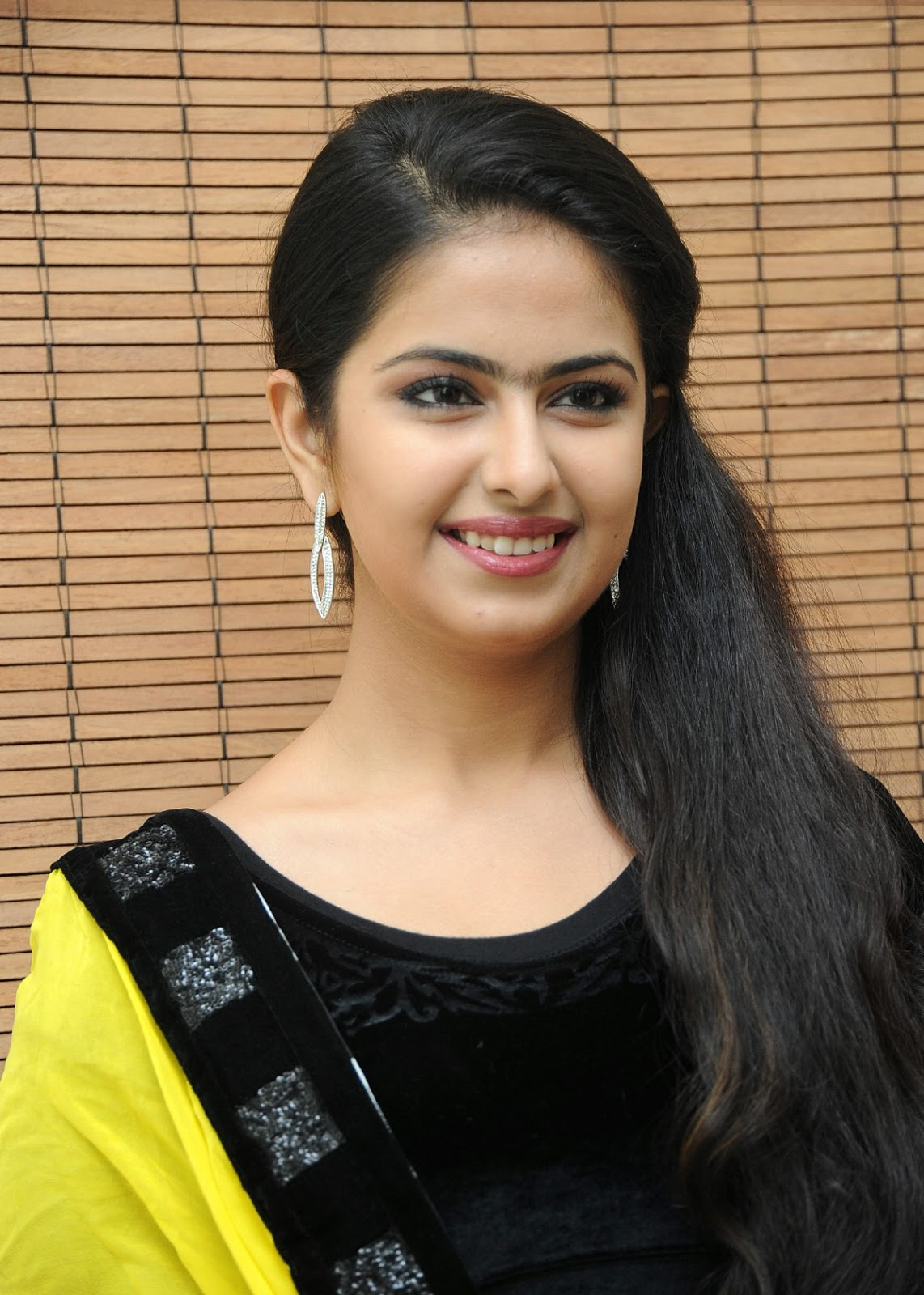 Beauty Galore Hd  Avika Gor Sober Tv Actress To Hot Film -3129