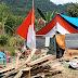 Kibarkan Bendera Setengah Tiang, Warga Sampoddo Merasa Belum Merdeka