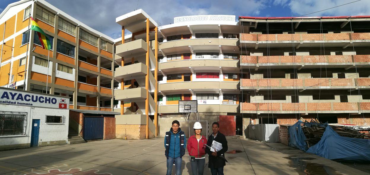 La obra consta de un nuevo bloque de cinco pisos para aulas