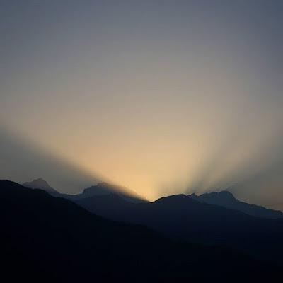 Amanece en el Himalaya