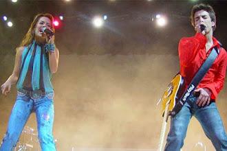 Nostalgia | Há 15 anos atrás... Sandy e Junior no Maracanã