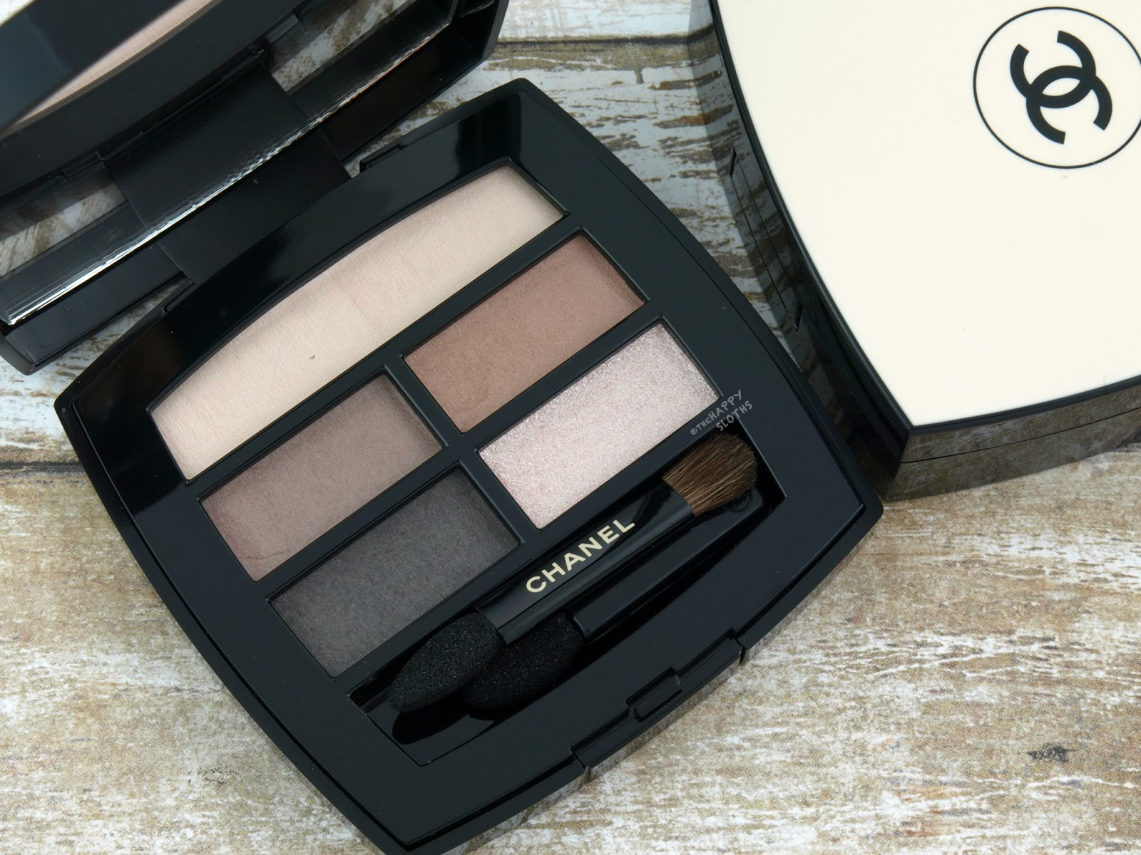 Chanel Les Beiges Healthy Glow Natural Eyeshadow Palette: Review and Swatches