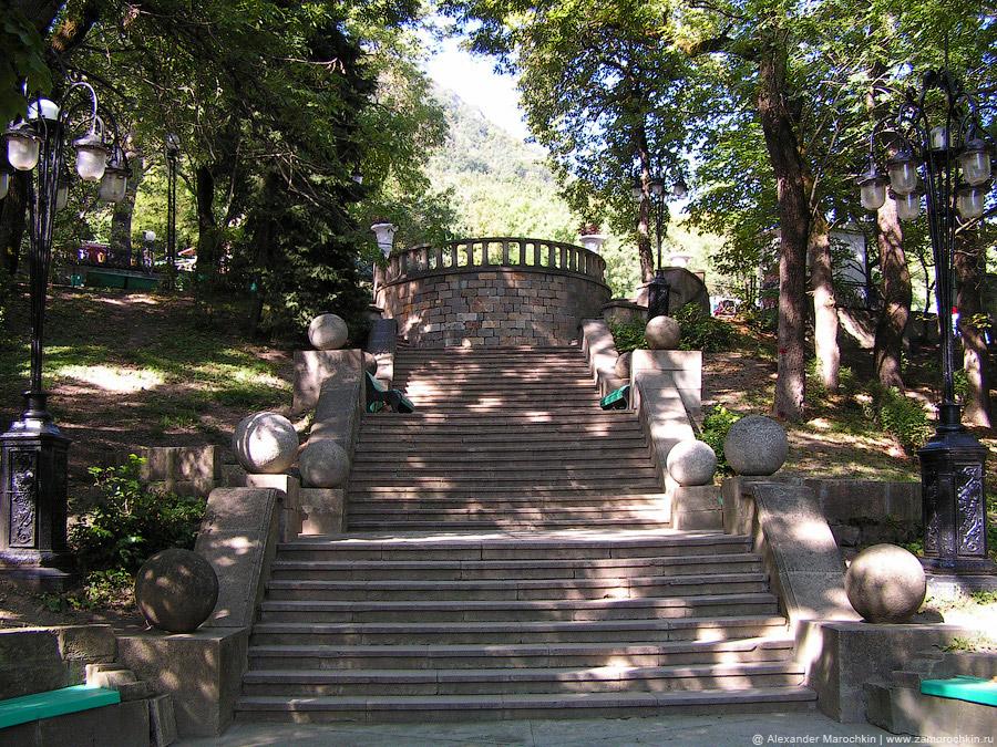 Лестница в курортном парке Железноводска