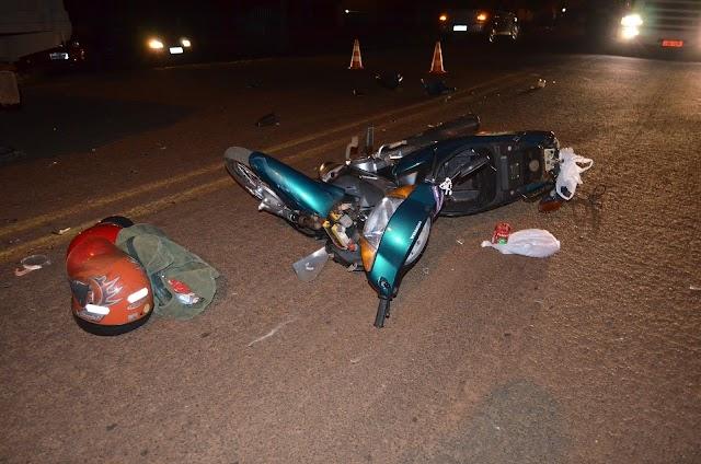 Acidente entre Honda Biz e veículo Vectra na avenida Santo Antonio em Roncador