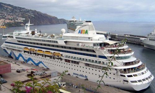 Pengalaman Jalan - jalan Dibayar dengan Cara Berlayar Di Kapan Pesiar