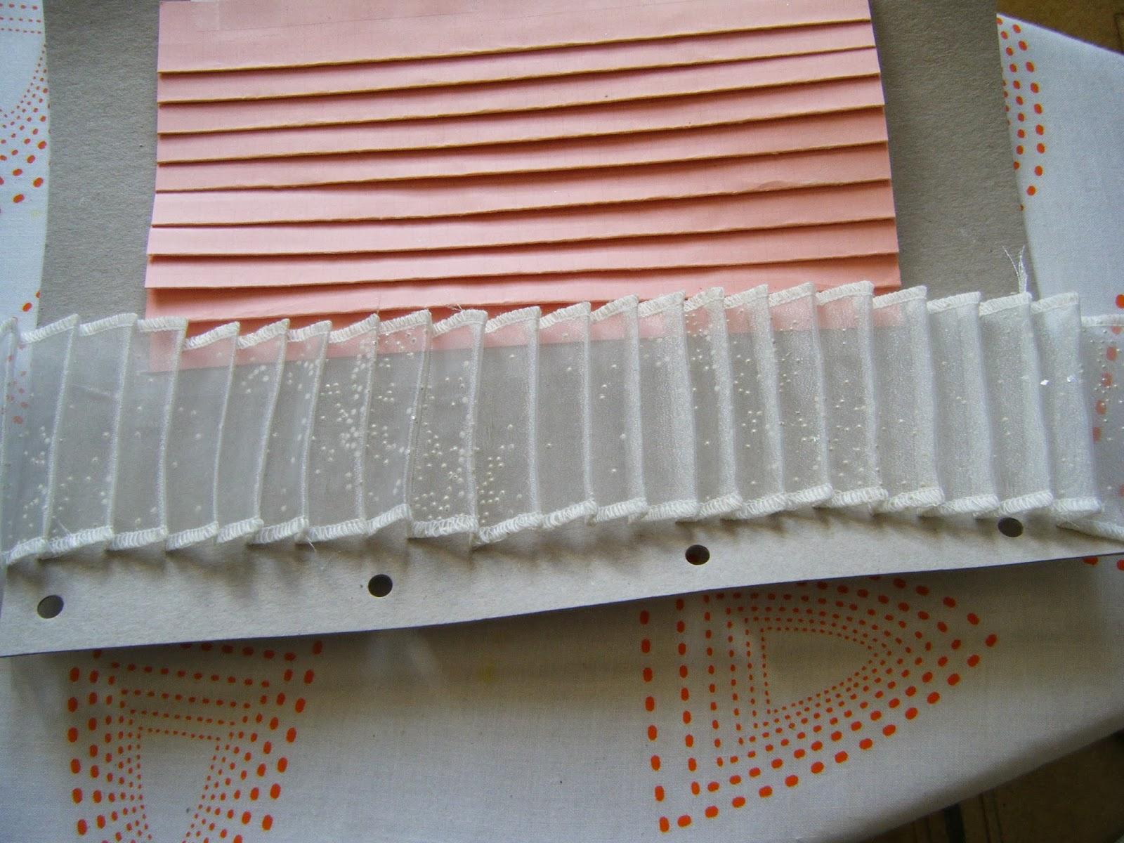 monscrapenplumes tuto cr er une planche plisser maison pour gagner du temps. Black Bedroom Furniture Sets. Home Design Ideas