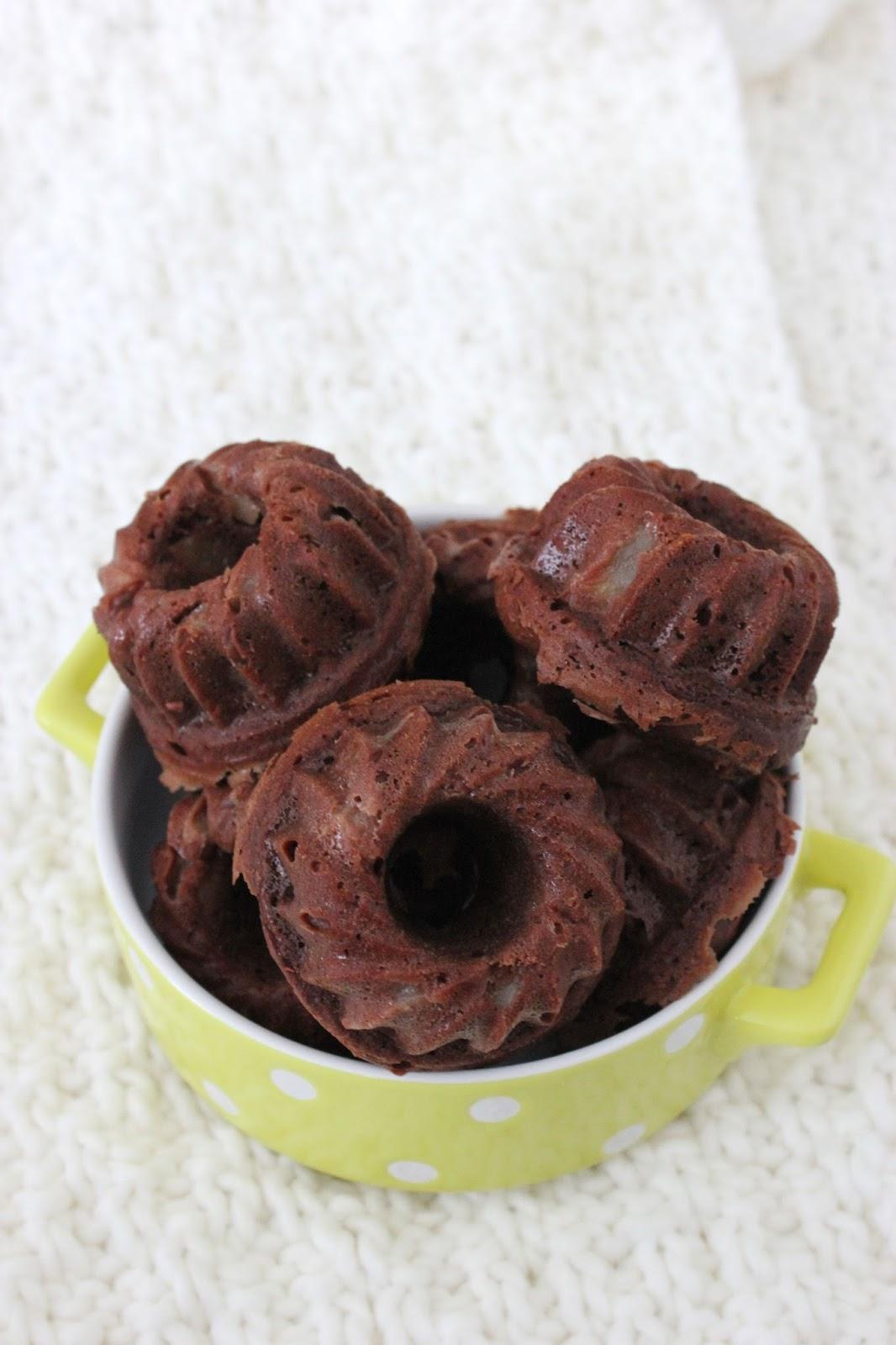 Petits Gateaux Moelleux Chocolat Et Poire A La Compote De Pomme