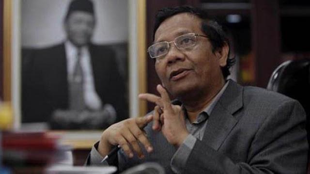 Pernah Ditanya Lebih Pilih Bela Ahok atau Rizieq Shihab, Jawaban Prof. Mahfud MD.....