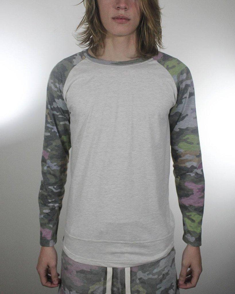 Camisa Camuflada Raglan