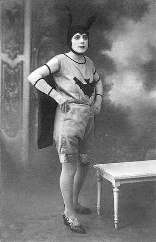 AddThis Sharing Buttons  sc 1 st  Vintage Everyday & Before Batsuits u2013 14 Interesting Vintage Portrait Photos of People ...