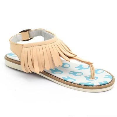 Sandalias con fleco primavera verano 2018 para niñas.