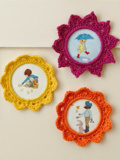 http://www.simplycrochetmag.co.uk/wp-content/uploads/sites/70/2014/04/Pictures-frames.pdf