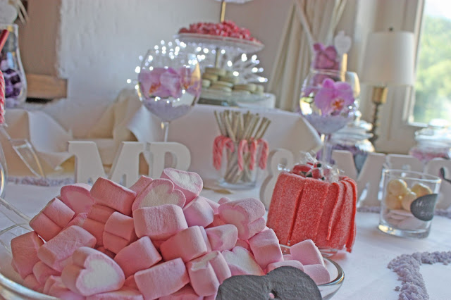 Candy-Bar Sweet Table von Sandy Candy Garmisch - Lavendel-Hochzeit - Hochzeitsempfang auf der Seeterrasse am Riessersee - Hochzeit in Garmisch-Partenkirchen im Seehaus am Riessersee - Wedding in Garmisch-Partenkirchen - #wedding venu #abroad #wedding garmisch #Hochzeit Garmisch #heiraten #Bayern #Bavaria #Hochzeitshotel