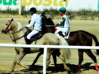 Jóqueis no Hipódromo do Cristal, Porto Alegre
