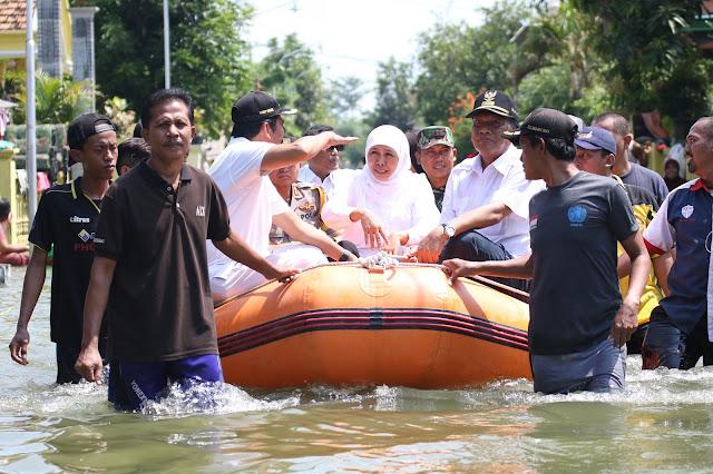 Gubernur Jatim Tinjau Lokasi Bencana Banjir di Mojokerto