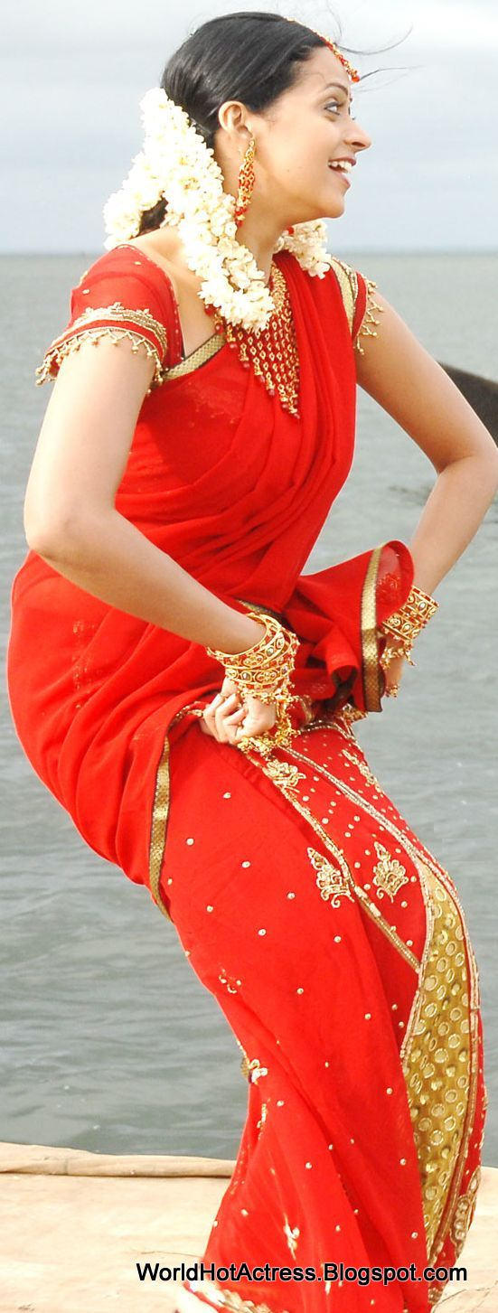 Only actress bhavana red saree at mahatma movie hd photos thecheapjerseys Images