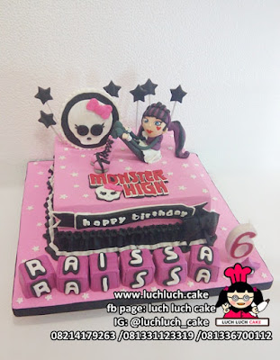 Kue Tart Ulang Tahun Tema Monster High