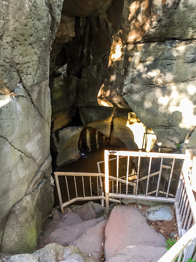 Bake Oven on the Glacial Potholes Trail at Interstate State Park