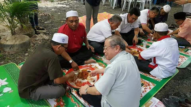 「Gambar Lim Kit Siang berbuka puasa」的圖片搜尋結果