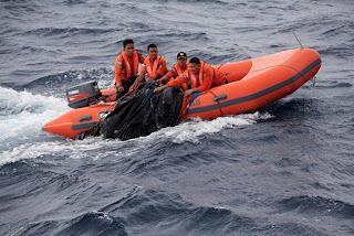 Hingga kini korban KM Marina baru 2b yang berhasil di temukan sebanyak 43 penumpang 4 orang meninggal dunia dari 118 penumpang masih terdapat 78 penumpang yang belum di temukan