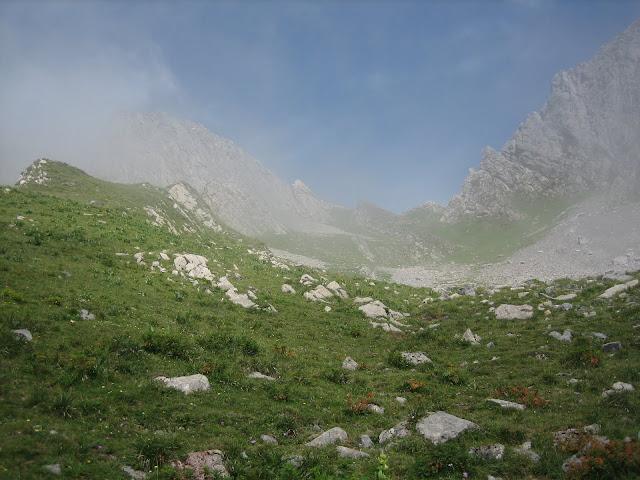 Rutas Montaña Asturias: Cerca de la Forqueta vista del Portillín