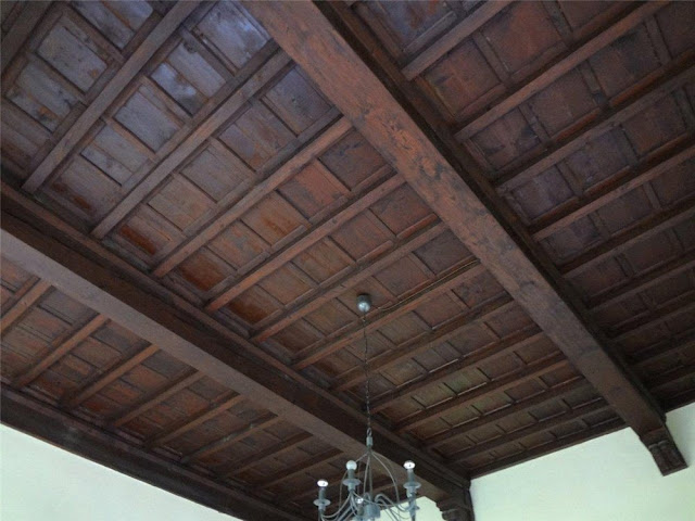 Wood ceilings, 120027, image via Frank Knight Properties as seen on linenandlavender.net