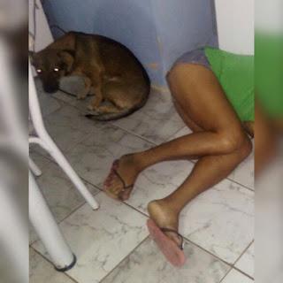 Mulher é assassinada no lugar do marido após ele fugir de bandidos em João Pessoa