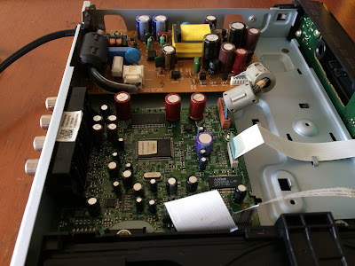 THE ORRONOCO AUDIO DIY: Additional Capacitor Upgrade For My CD Player